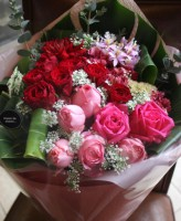 赤ピンク系花束