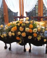 オレンジバラのメイン装花