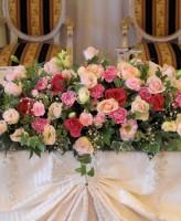 ピンクバラ、パールのメイン装花