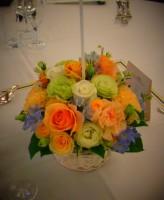 オレンジバラのゲスト装花